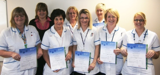 how to become a midwife care assistant