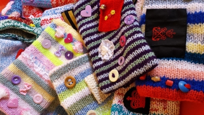 Health in Wales | Knitters\' know-how gives bumper boost to elderly ...